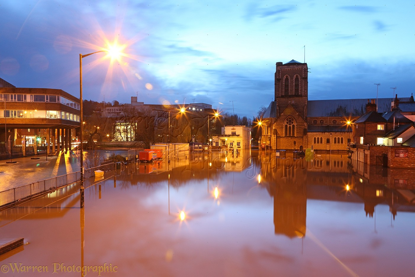 flooding in guildford at night photo wp39276