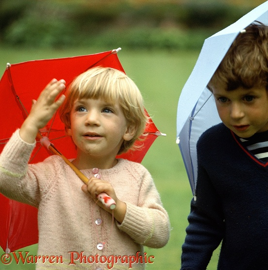 Mark & Hazel with little umbrellas