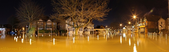 Datchet flooding at night 2014