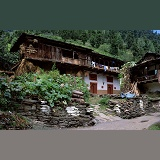 Old Manali houses