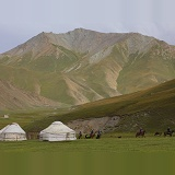 Tash Rabat yurts and horse riders